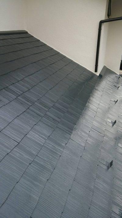 藤沢市K様邸で屋根の仕上げ塗装を塗り終わった写真