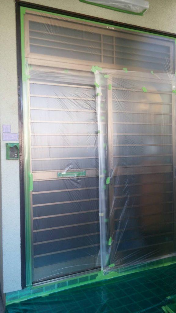 ドアのビニール養生の写真
