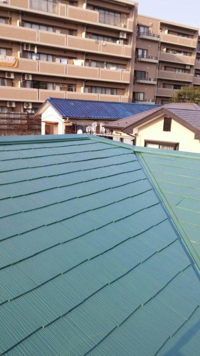 屋根を塗り終わった後の写真